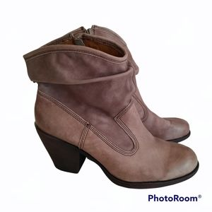 Montana Artisan Crafted Leather Slouch Round Toe Heeled Boots Booties Size 9M